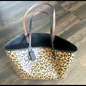 Brand new REVERSIBLE COACH purse/tote WITH Tags